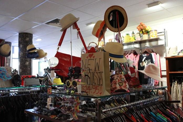 Tammy_de_fox_vintage_newtown_sydney_2012-18