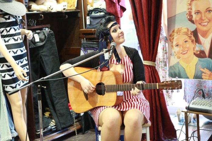 Tammy_de_fox_vintage_newtown_sydney_2012-28
